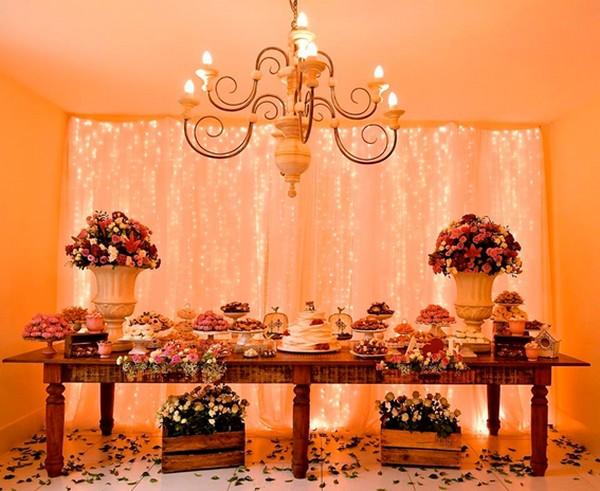 Iluminação de casamento com luzinhas