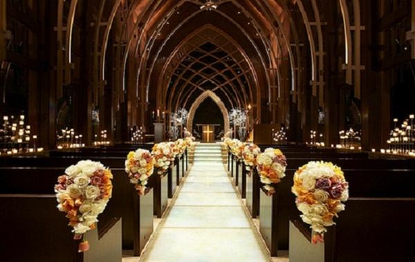 Igreja decorada para um casamento